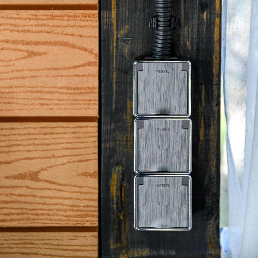 Розетка влагозащищенная с заземлением с защитой крышкой и шторками Werkel Gallant графит рифленый WL15-02-04 4690389128257